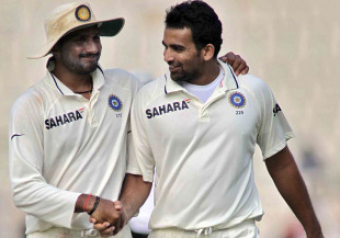 On the way out: Regulars in India attacks not long ago, Zaheer Khan and Harbhajan Singh have been dropped