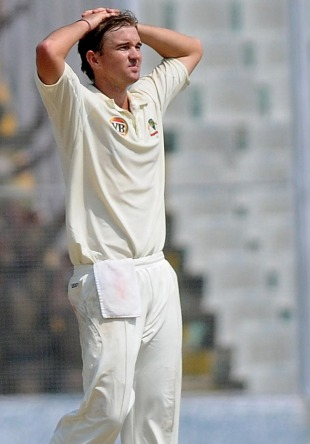 Nathan Hauritz ran out of luck as VVS Laxman took charge, India v Australia, 1st Test, Mohali, 5th day, October 5, 2010