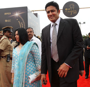 Anil Kumble and his wife arrive for the 2010 ICC Awards in Bangalore, October 6, 2010