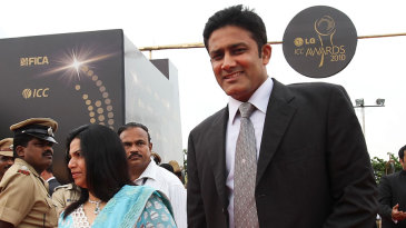 Anil Kumble and his wife arrive for  the 2010 ICC Awards in Bangalore