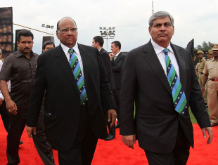 ICC president Sharad Pawar and BCCI president Shashank Manohar arrive for the 2010 ICC awards in Bangalore, October 6, 2010
