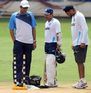 Anil Kumble talks with Sachin Tendulkar and Harbhajan Singh, India v Australia, 2nd Test, Bangalore, October 8, 2010