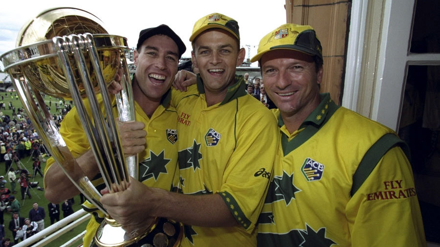Michael Bevan, Adam Gilchrist and Steve Waugh hold the World Cup trophy