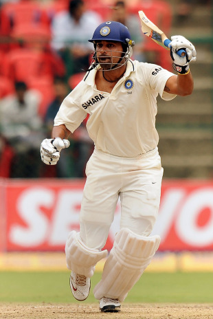M Vijay was dismissed after making 37, India v Australia, 2nd Test, Bangalore, 5th day, October 13, 2010