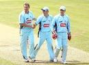 Brett Lee, Scott Coyte and Brad Haddin, New South Wales v Western Australia, Ryobi Cup, Hurstville Oval, Sydney, October 17, 2010