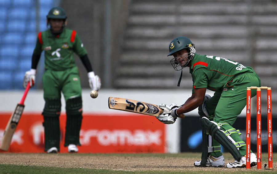 Shakib Al Hasan and Mushfiqur Rahim added 55 for the fifth wicket, Bangladesh v New Zealand, 5th ODI, Mirpur, October 17, 2010