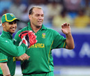 Jacques Kallis took the important wicket of Abdul Razzaq, Pakistan v South Africa, 3rd ODI, Dubai, November 2, 2010