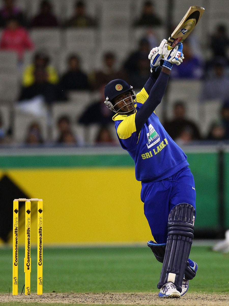 Angelo Mathews launches one down the ground