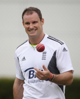 A relaxed Andrew Strauss practices ahead of England's first warm-up game, Perth, November 4, 2010