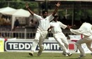 Chaminda Vaas celebrates a wicket, Sri Lanka v England, 3rd Test, Colombo, SSC, March 17, 2001