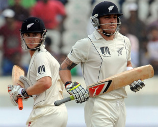Brendon McCullum and Kane Williamson run between the wickets, India v New Zealand, 2nd Test, Hyderabad, 5th day, November 16, 2010