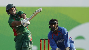 Mithun Ali hit a six and two fours in his 22