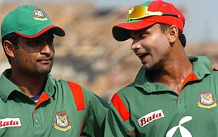 Tamim Iqbal and Mashrafe Mortaza after Bangladesh's victory, Bangladesh v Zimbabwe, 5th ODI, Chittagong, December 12, 2010