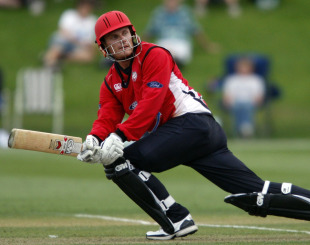 Rob Nicol plays a sweep shot, Canterbury v Otago, Christchurch, HRV Cup 2010-11, December 15, 2010