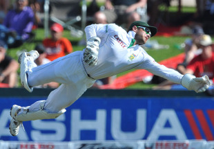 Mark Boucher dives to collect one down the leg side, South Africa v India, 1st Test, Centurion, 4th day, December 19, 2010