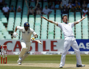 Zaheer Khan should have been given out lbw to Dale Steyn, but South Africa didn't have the option to refer the decision
