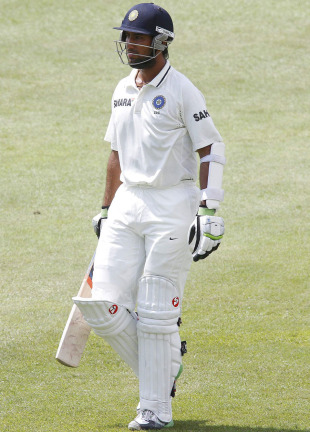 Cheteshwar Pujara was dismissed in the second over of the morning, South Africa v India, 2nd Test, Durban, 3rd day, December 28, 2010