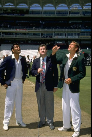 Mohammad Azharuddin and Kepler Wessels at the toss in Johannesburg, Nov 30 1992