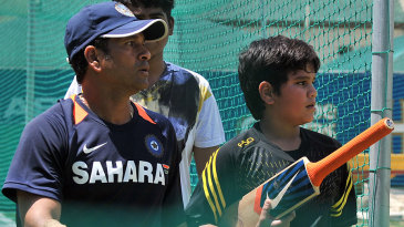 Sachin Tendulkar and his son Arjun at the nets at Newlands ahead of the third Test