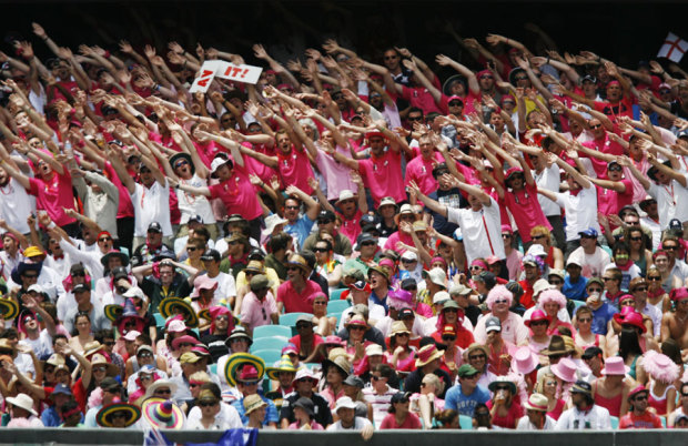 The Barmy Army in pink, Australia v England, 5th Test, Sydney, 3rd day, January 5, 2011