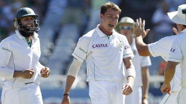 Dale Steyn celebrates the wicket of Gautam Gambhir