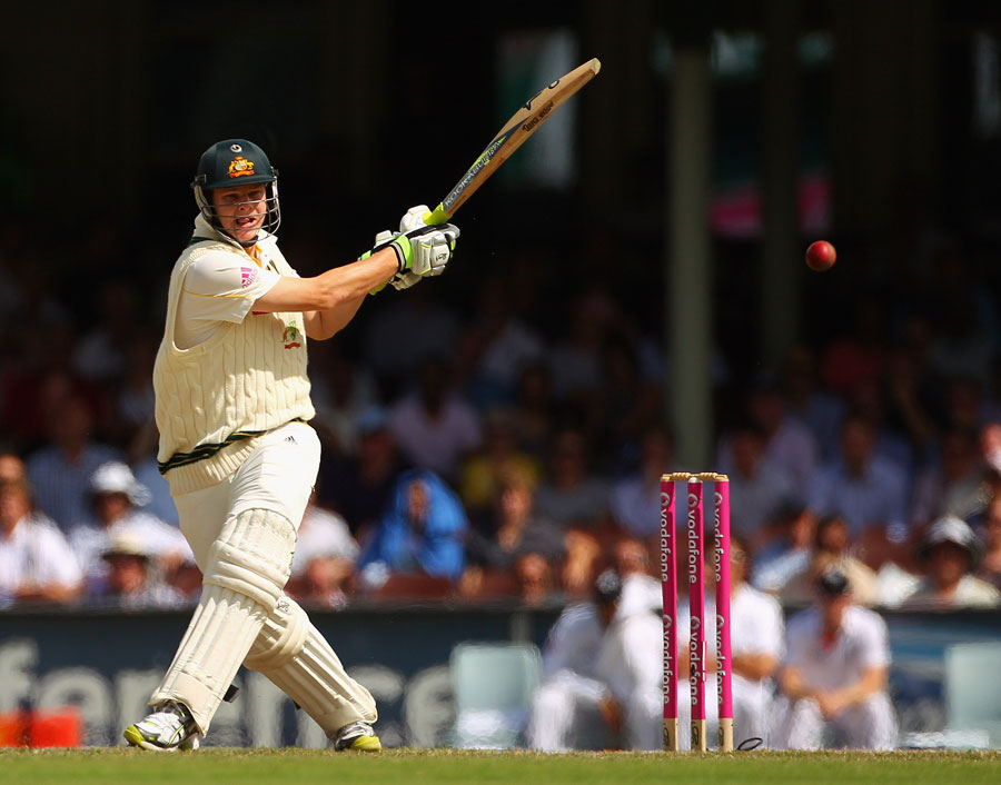 Steven Smith pulls on his way to a half-century