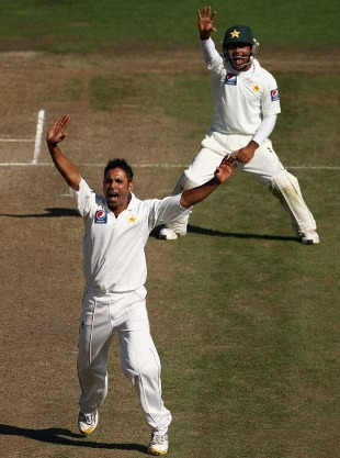 Abdur Rehman starred in an all-round effort, 1st Test, Hamilton, 3rd day, January 9, 2011