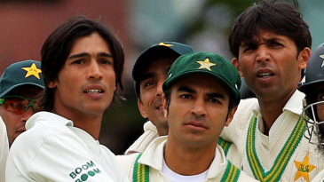 Mohammad Amir, Salman Butt and Mohammad Asif look on