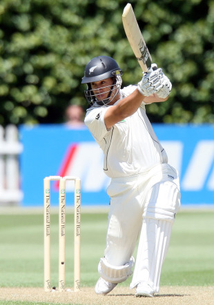 Ross Taylor launches into a cover drive, New Zealand v Pakistan, 2nd Test, Wellington, 1st day, January 15, 2011