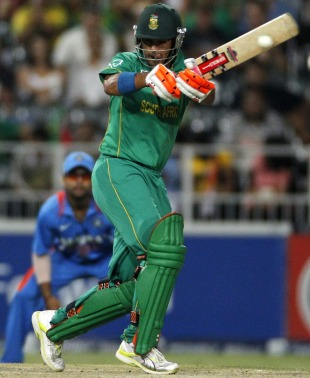 JP Duminy pulls a short ball, South Africa v India, 2nd ODI, Johannesburg, January 15, 2011