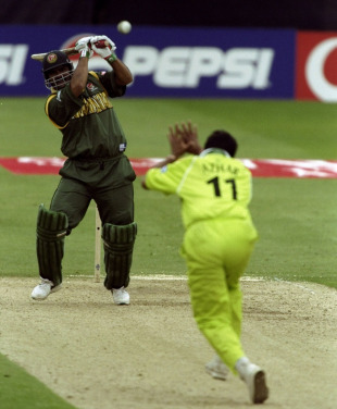 Akram Khan launches one over the bowler's head, Bangladesh v Pakistan, Group B, World Cup, Northampton, May 31, 1999