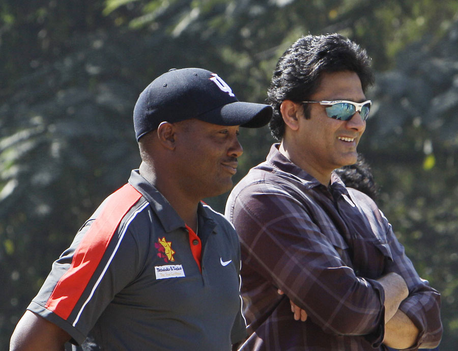 Anil Kumble and Brian Lara interact during the latter's cricket clinic