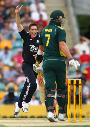 Chris Woakes celebrates removing Cameron White, Australia v England, 5th ODI, Brisbane, January 30, 2011