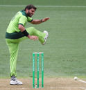 Shahid Afridi is frustrated after messing up a run-out opportunity