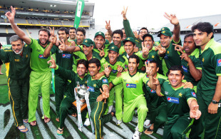 Pakistan celebrate their series victory, New Zealand v Pakistan, 6th ODI, Auckland, February 5, 2011
