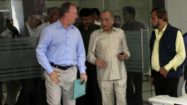 Jagmohan Dalmiya and a member of the ICC's inspection team at Eden Gardens