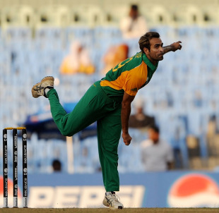 Imran Tahir picked up three wickets in South Africa's win, South Africa v Zimbabwe, World Cup warm-up match, Chennai, February 12, 2011