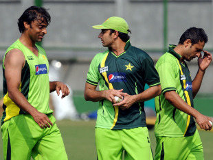 Shoaib Akhtar, Saeed Ajmal and Abdur Rehman at a training session, Mirpur, February 16, 2011