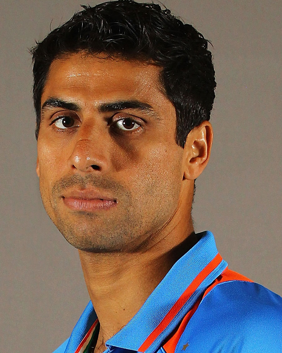 Nehra announces retirement from all forms of cricket