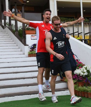 Kevin Pietersen has a bit of fun with Paul Collingwood, Nagpur, February 21, 2011