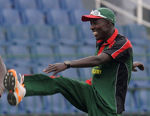 Jimmy Kamande warms up during Kenya's training session, Colombo, February 28, 2011