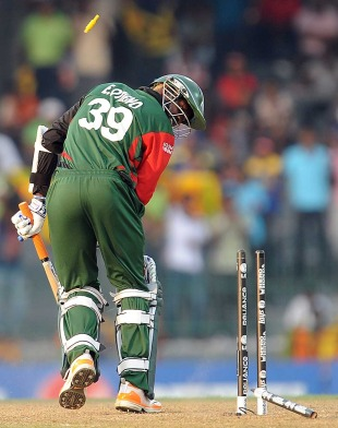 Elijah Otieno watches his stump get uprooted, Sri Lanka v Kenya, Group A, World Cup 2011, Colombo, March 1, 2011
