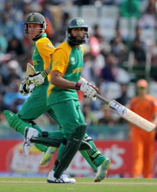 AB de Villiers and Hashim Amla take a run during their 221-run partnership, Netherlands v South Africa, World Cup 2011, Mohali, March 3, 2011