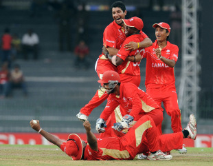Canada are thrilled with the dismissal of Wahab Riaz, Canada v Pakistan, Group A, World Cup 2011, Colombo, March 3, 2011
