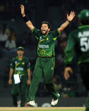 Shahid Afridi celebrates the wicket of Ashish Bagai, Canada v Pakistan, Group A, World Cup 2011, Colombo, March 3, 2011