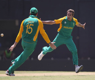 Imran Tahir enjoyed each one of his wickets, England v South Africa, Group B, World Cup, Chennai, March 6, 2011