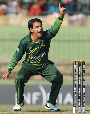 Mohammad Hafeez trapped James Franklin LBW for 1, New Zealand v Pakistan, Group A, World Cup, Pallekele, March 8, 2011