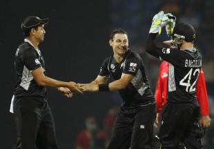 Nathan McCullum is congratulated on dismissing Umar Akmal, New Zealand v Pakistan, Group A, World Cup, Pallekele, March 8, 2011