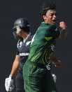 Shoaib Akhtar erupts after Kamran Akmal dropped Ross Taylor behind the stumps, New Zealand v Pakistan, Group A, World Cup, Pallekele, March 8, 2011