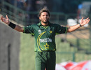 Shahid Afridi gestures after Kamran Akmal dropped Scott Styris, New Zealand v Pakistan, Group A, World Cup, Pallekele, March 8, 2011